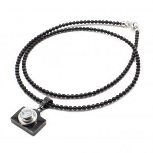 Lant Black Camera, Tios handmade, pietre naturale Onix 3mm, pandantiv aparat foto din otel inoxidabil, ~ 54 cm